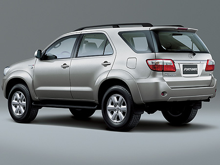 thue-xe-fortuner